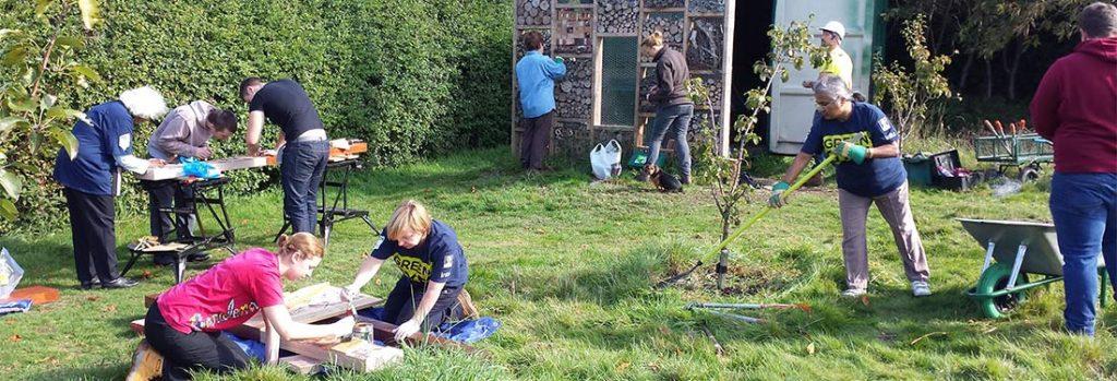Green Gym participants doing gardening